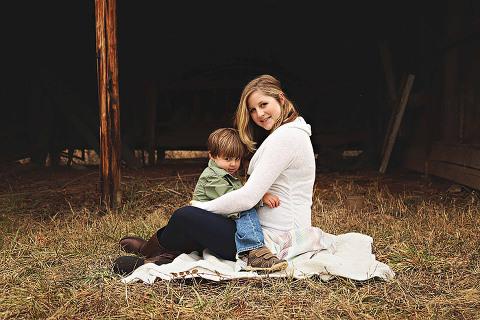 48-Fields-Leesburg-VA-Maternity-Photos-Candice-Mapa-Photography-Britta
