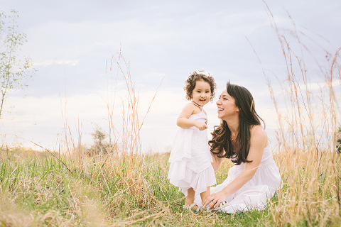 Mommy and Me Photos at 48 Fields in Leesburg VA | Kate Juliet Photography