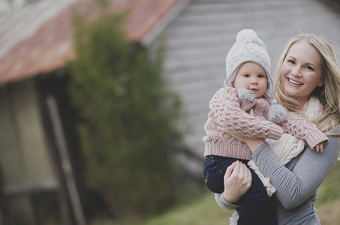 Winter Family Photos at 48 Fields Farm in Leesburg VA | Melvin Enderes Photography