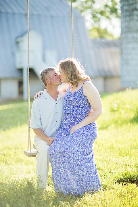 Casual Spring Engagement Photos at 48 Fields Farm | Elle Meredith Photography
