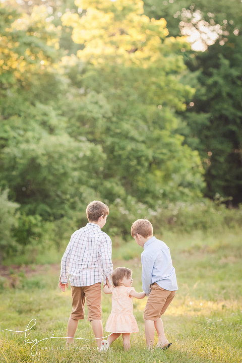 Kids Photo Session at 48 Fields Farm in Leesburg VA | Kate Juliet Photography