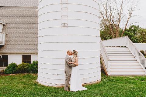 burgundy-taupe-wedding-leesburg-va-48-fields-heather-grant (4)