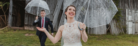 A checklist of what to put in your wedding day emergency kit | 48 Fields Farm in Leesburg VA