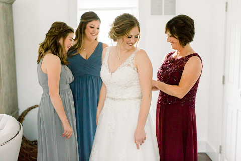 Tips for Better Getting Ready Wedding Photos at 48 Fields Farm in Leesburg VA