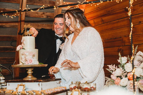 to do after your wedding freeze cake Bride and groom cutting wedding cake - 48 Fields Wedding Barn | Leesburg VA